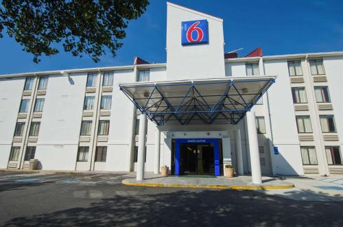 Motel 6 Washington DC Southwest - Springfield Photo