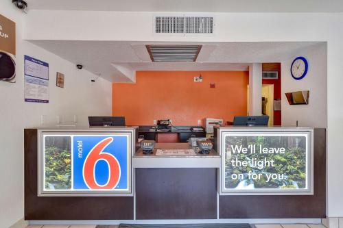 Motel 6 Santa Rosa North Photo