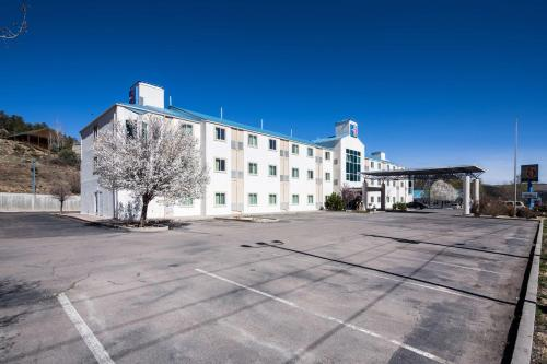 Motel 6 Ruidoso Photo