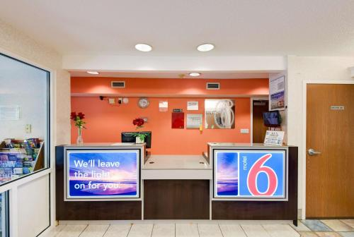 Motel 6 Statesville Photo
