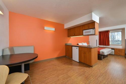 Motel 6 Meridian Photo
