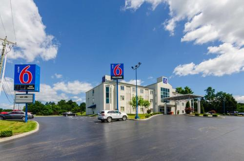 Motel 6 Bristol Photo