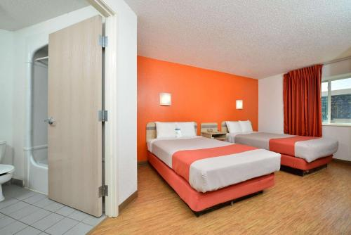 Motel 6 McKinney Photo