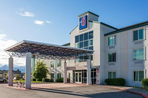 Motel 6 Anchorage - Midtown Photo