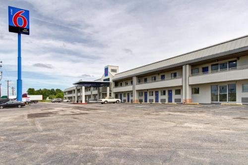 Motel 6 Cleveland International Airport - North Ridgeville Photo