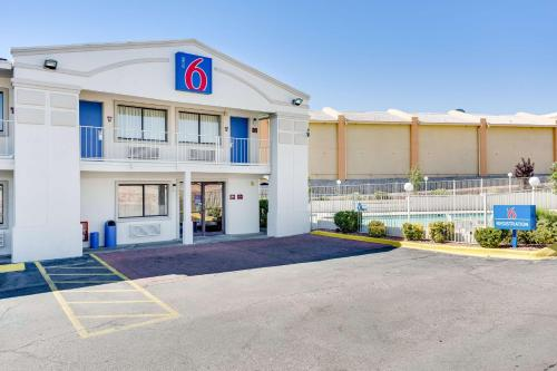 Motel 6 El Paso West Photo