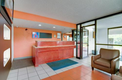 Motel 6 Kansas City Photo