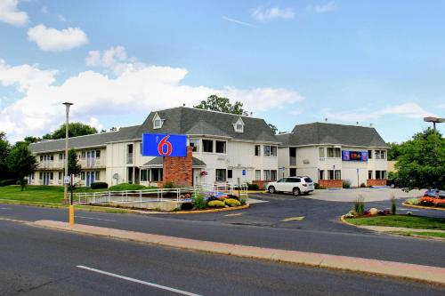 Motel 6 Hartford - Enfield Photo
