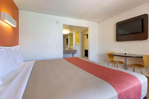 Motel 6 Glendale Photo