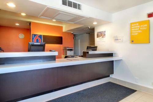 Motel 6 Washington DC - Capitol Heights Photo