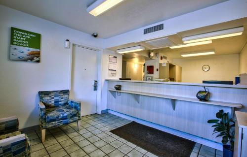 Motel 6 Valdosta - University Photo