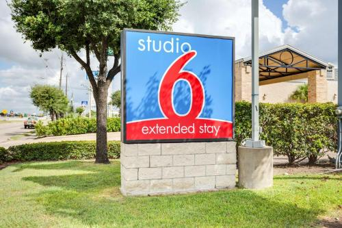 Studio 6 Houston - Clear Lake Photo