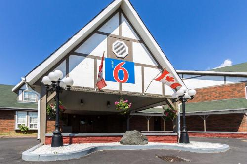 Motel 6 Trenton ON Photo