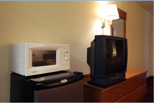 Americas Best Value Inn Cartersville - Cartersville, GA 30121