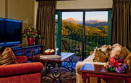 The Lodge & Spa at Cordillera Photo