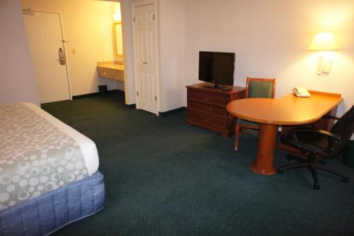 La Quinta Inn Cleveland Independence Photo