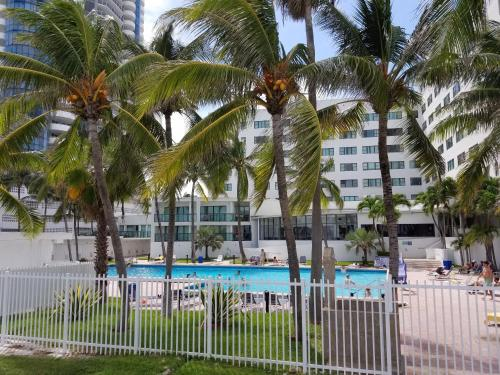 Oceanfront Studio Casablanca Miami Beach Photo