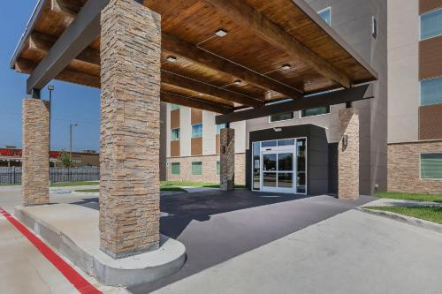 Quality Inn & Suites Houston Westchase-Westheimer Photo