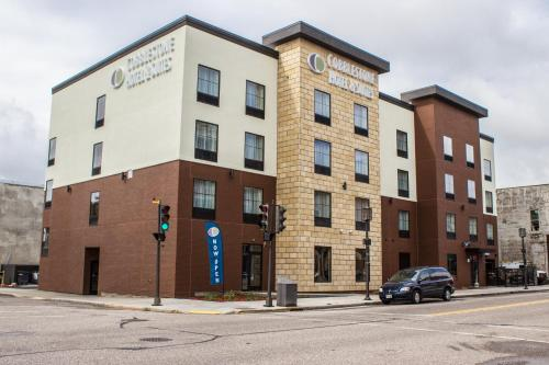 Cobblestone Hotel & Suites - Chippewa Falls Photo