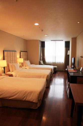 Ramada Hotel & Suites Seoul Namdaemun photo 5