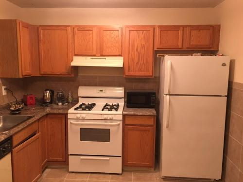 Two Floor Townhouse - Staten Island Photo