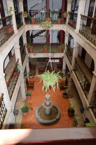 Hotel Don Quijote Plaza Photo