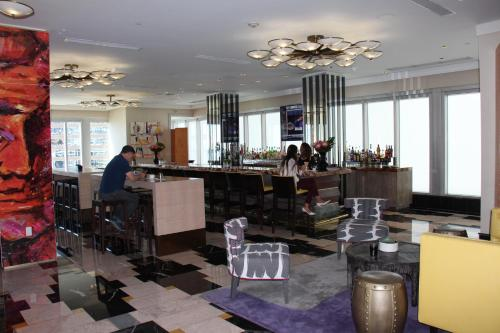 Luxury 45th Floor Suite at Icon Photo