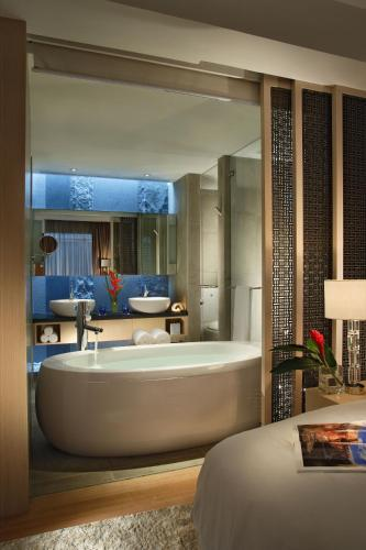 Singapore Marriott Tang Plaza Hotel photo 2