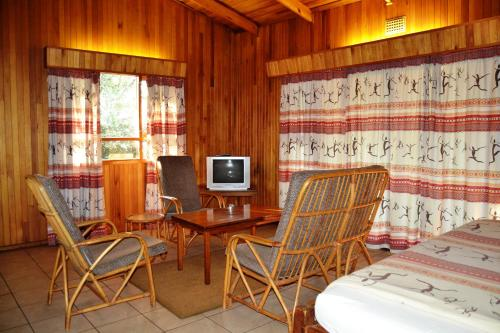 Log Cabin Village Photo