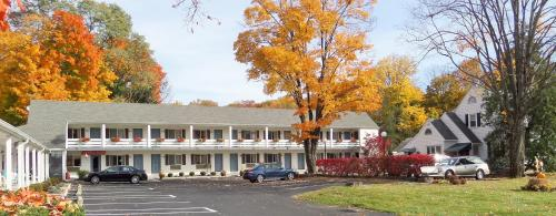 Roosevelt Inn Hyde Park Photo