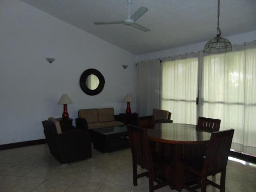 Condo Delfin Photo
