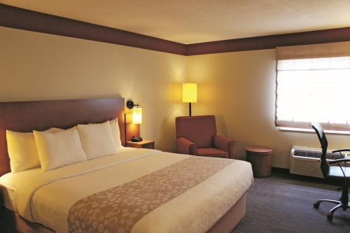 La Quinta Inn & Suites Houston Southwest Photo