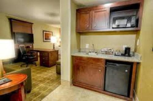 Hampton Inn & Suites Tifton Photo