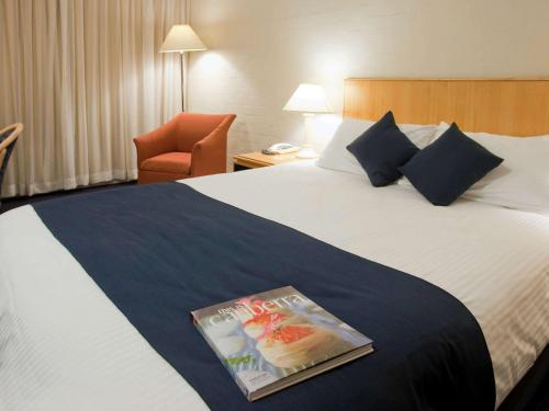 ibis Styles Canberra photo 40