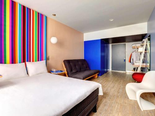 Ibis Styles Mexico Zona Rosa Photo