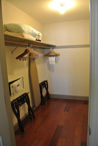 Cow Hollow Inn and Suites photo 22