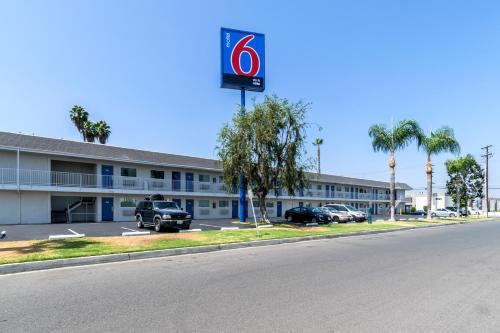Motel 6 Anaheim - Fullerton East Photo