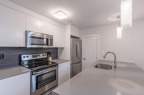 Three-Bedroom on Massachusetts Avenue Apt 1 Photo