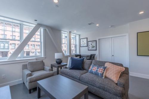 Three-Bedroom Apartment on Massachusetts Avenue 2 Photo