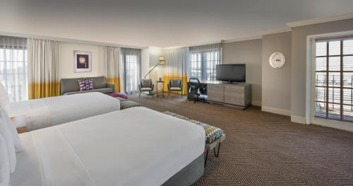 DoubleTree by Hilton Austin photo 9