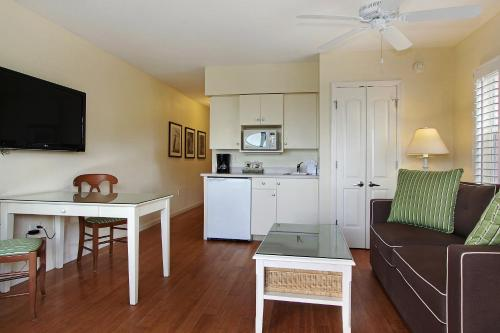 Sanibel Inn - Sanibel, FL 33957