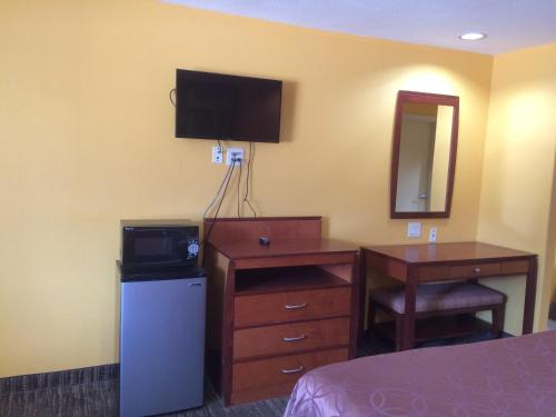 Select Inn and Suites Photo