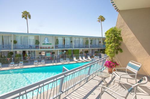 Travelodge Hotel at LAX photo 27