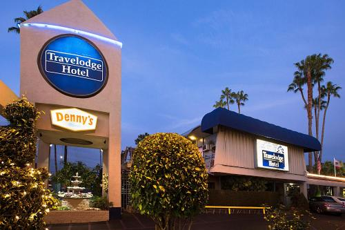 Travelodge Hotel at LAX Photo