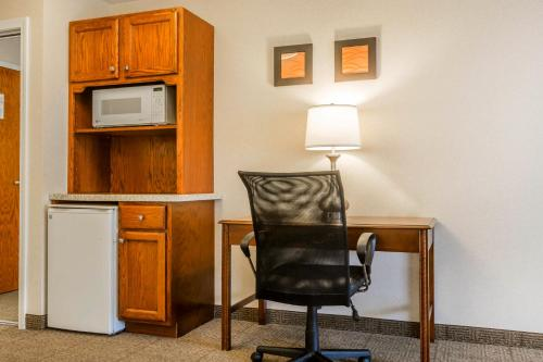 Comfort Inn & Suites South Burlington Photo