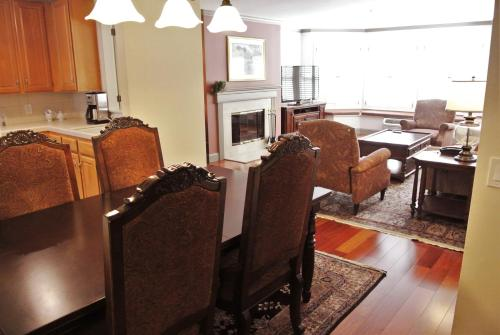 Cow Hollow Inn and Suites photo 33