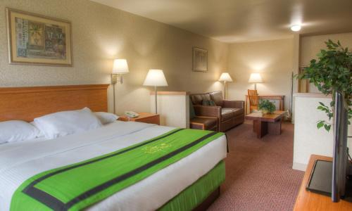Quinault Sweet Grass Hotel Photo