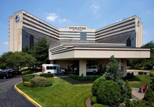 DoubleTree by Hilton Hotel Newark Airport Photo