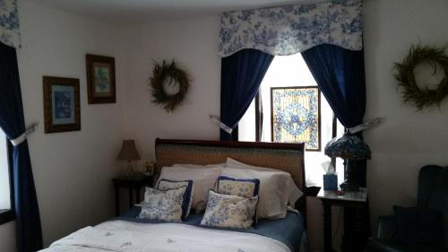 Stone Manor Bed & Breakfast Inn Photo