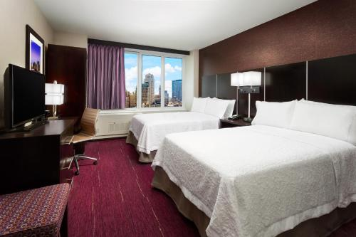 Hampton Inn Times Square Central Photo